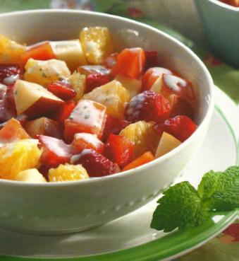 Salada de Frutas com Molho de Iogurte